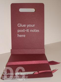 Postit_note_holder_open